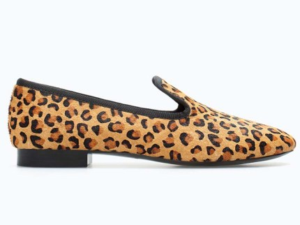 Zara 49, 95 euro http://www.zara.com/it/it/shoes---bags/donna/scarpe/slipper-pelle-leopardo-c665017p1984986.html