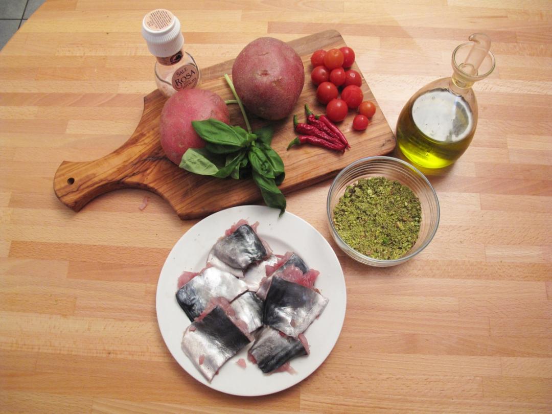 Filetti di palamita con granella di pistacchio e patate croccanti, ingredienti