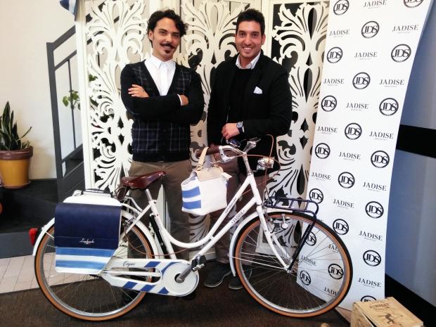 Massimiliano e Vittorio con la bicicletta Lombardo griffata Jadise