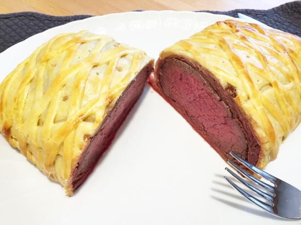 Filetto di manzo in crosta con prosciutto crudo e paté d'oca